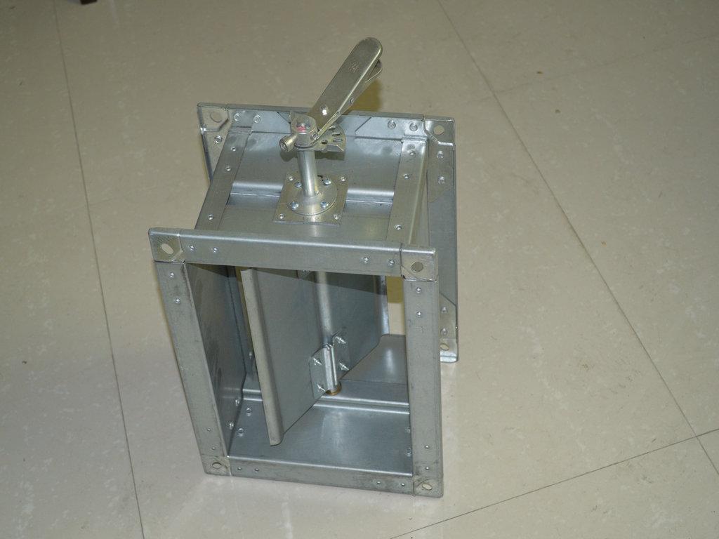 调节阀主要用于风管风量的调节,主要有手动调节阀,电动调节阀,变图片